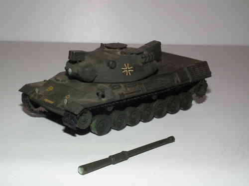 Modern German Leopard Tank 1/76 Scale.