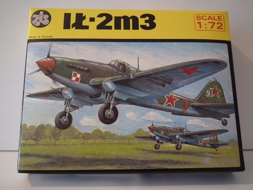 PLASTYK IL-2m3 WWII FIGHTER AIRCRAFT RUSSIA. Model Kit. 1/72 Scale